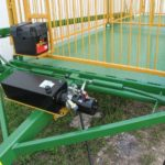 12 volt hydraulic pump with an optional battery holder | Livestock Trailer